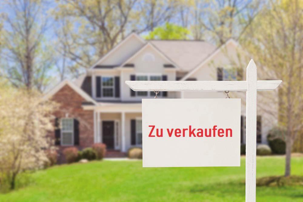 https://www.dr-schmidt-bovendeert.de/wp-content/uploads/2019/05/iStock-177722838_Haus_verkaufen_klein.jpg